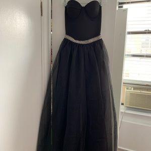 Strapless organza maxi skirt dress